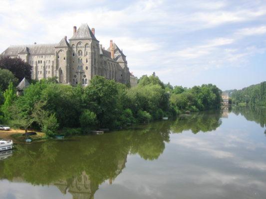 Photo de l'Abbaye Saint-Pierre de Solesmes sur la Sarthe