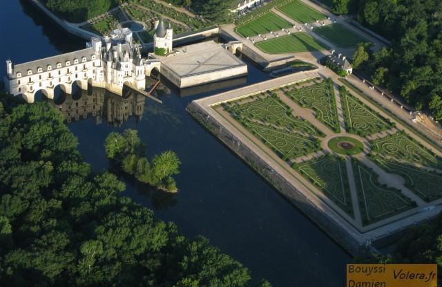 Photo des jardins à la française du Château de chenonceau