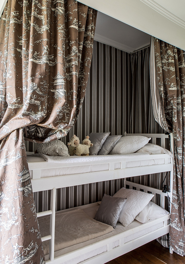 Small Box Room Cabin Bed For Grandma: The Grandmother's Bedroom