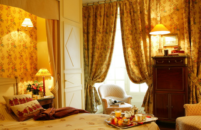 LUXE ROOM IN THE CHATEAU LOIRE