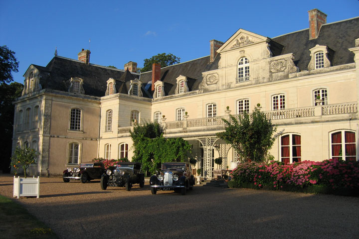 Château des Briottières et voitures de collection : une belle histoire d'amour